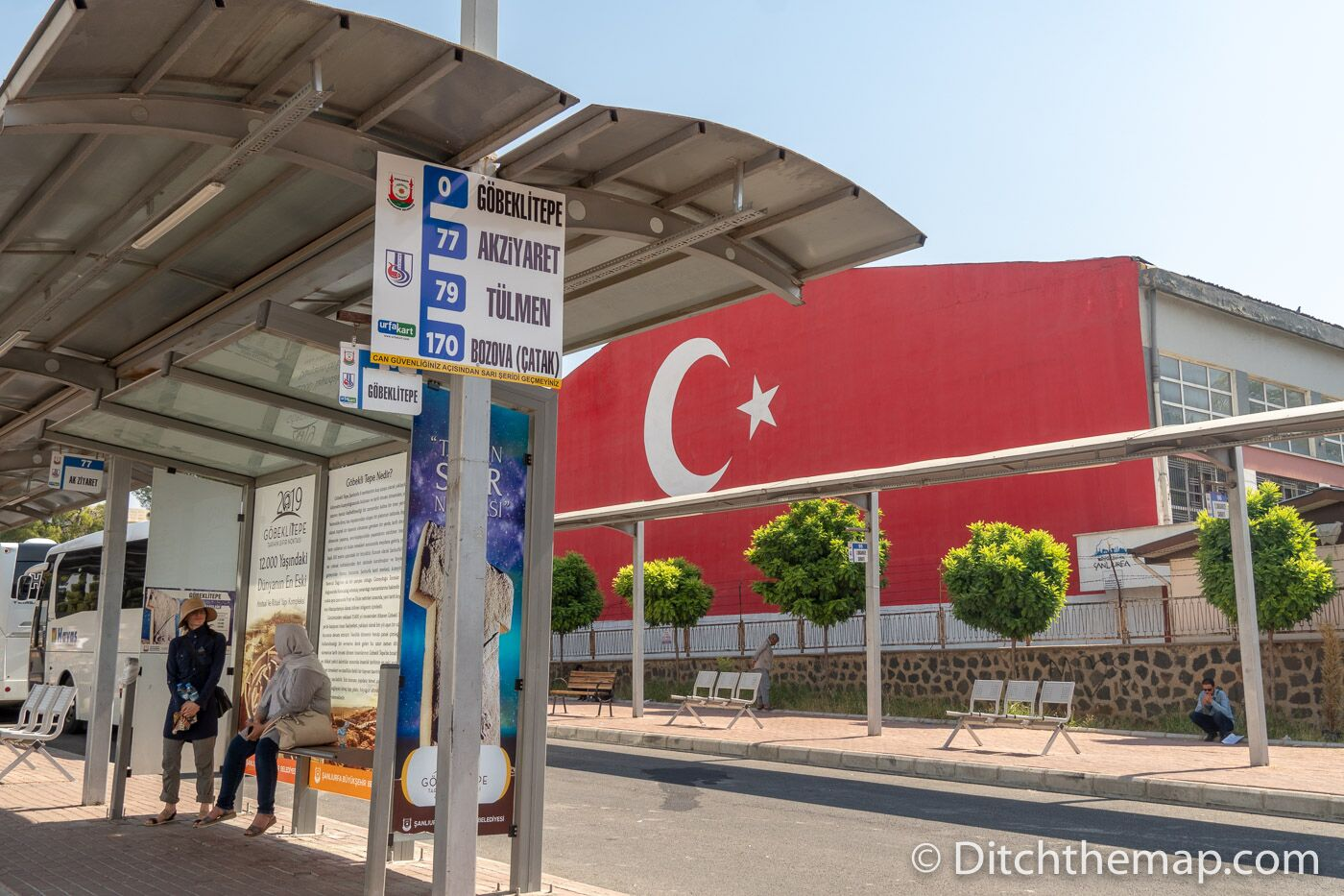 Waiting for the bus in Urfa to go to Göbekli Tepe