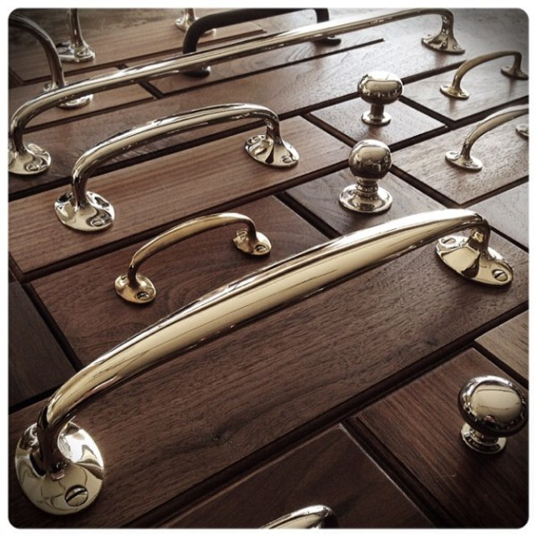 Medford-pulls-new-size-in-front-at-11-wh-wilmette-hardware-unlacquered-brass-pull-11inches.jpg