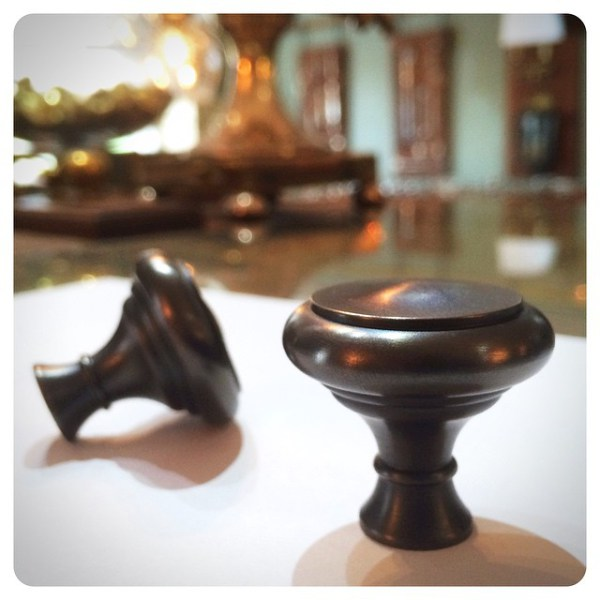 chrystie-cabinet-knobs-oil-rubbed-bronze-WH-chrystie-cabinetry-custom-finishing-design.jpg