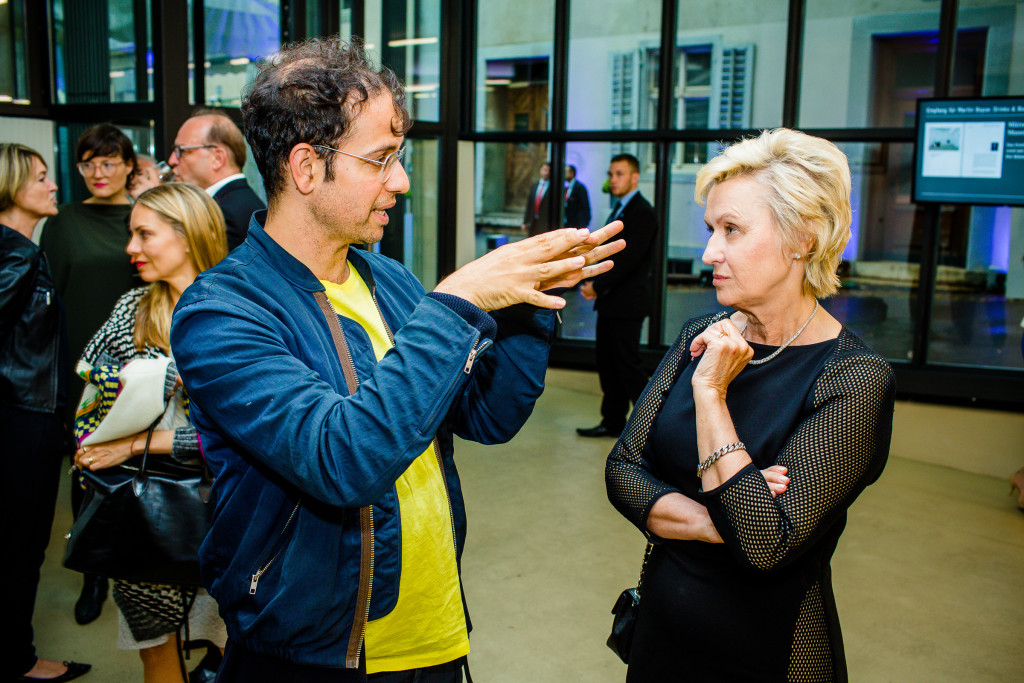 """Hands are weird aren't they?"" is not a thing that Tino Sehgal said to Tina Brown ARTNEWS"