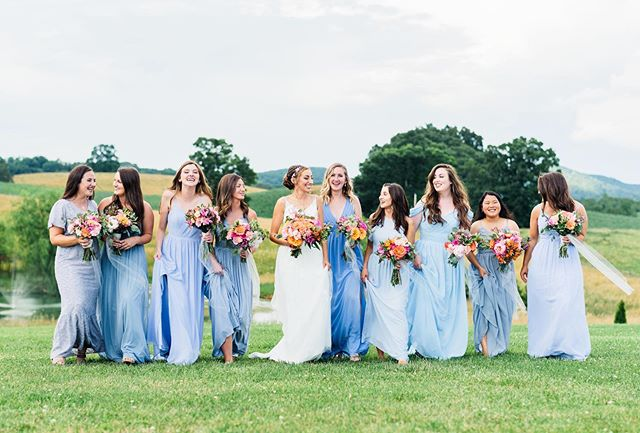 One of the hottest Saturdays of the year, but you wouldn't be able to tell looking at Hailee & her bridesmaids! Thankful for a few minutes of cloud cover 🙌🏼 #weddingphotography #bridesmaids