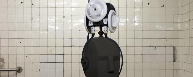 Fritz, the Neumann binaural head microphone explores the New York subway system.