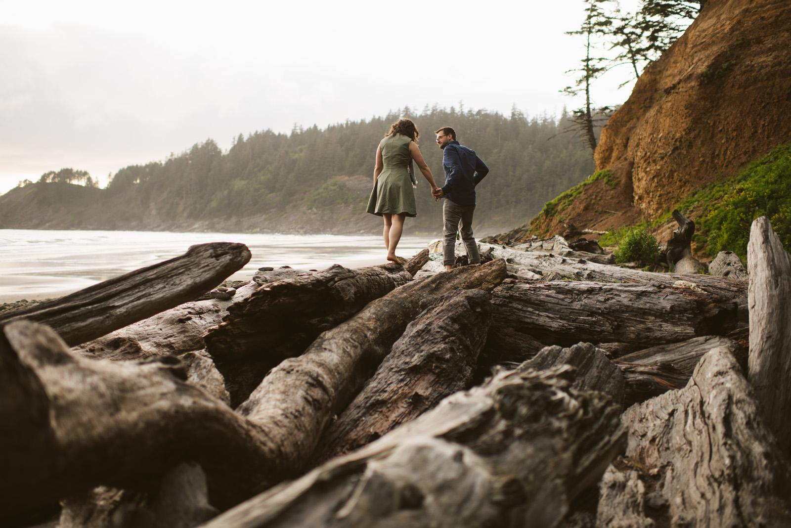 Jess + Tim: Oregon Coast Engagement