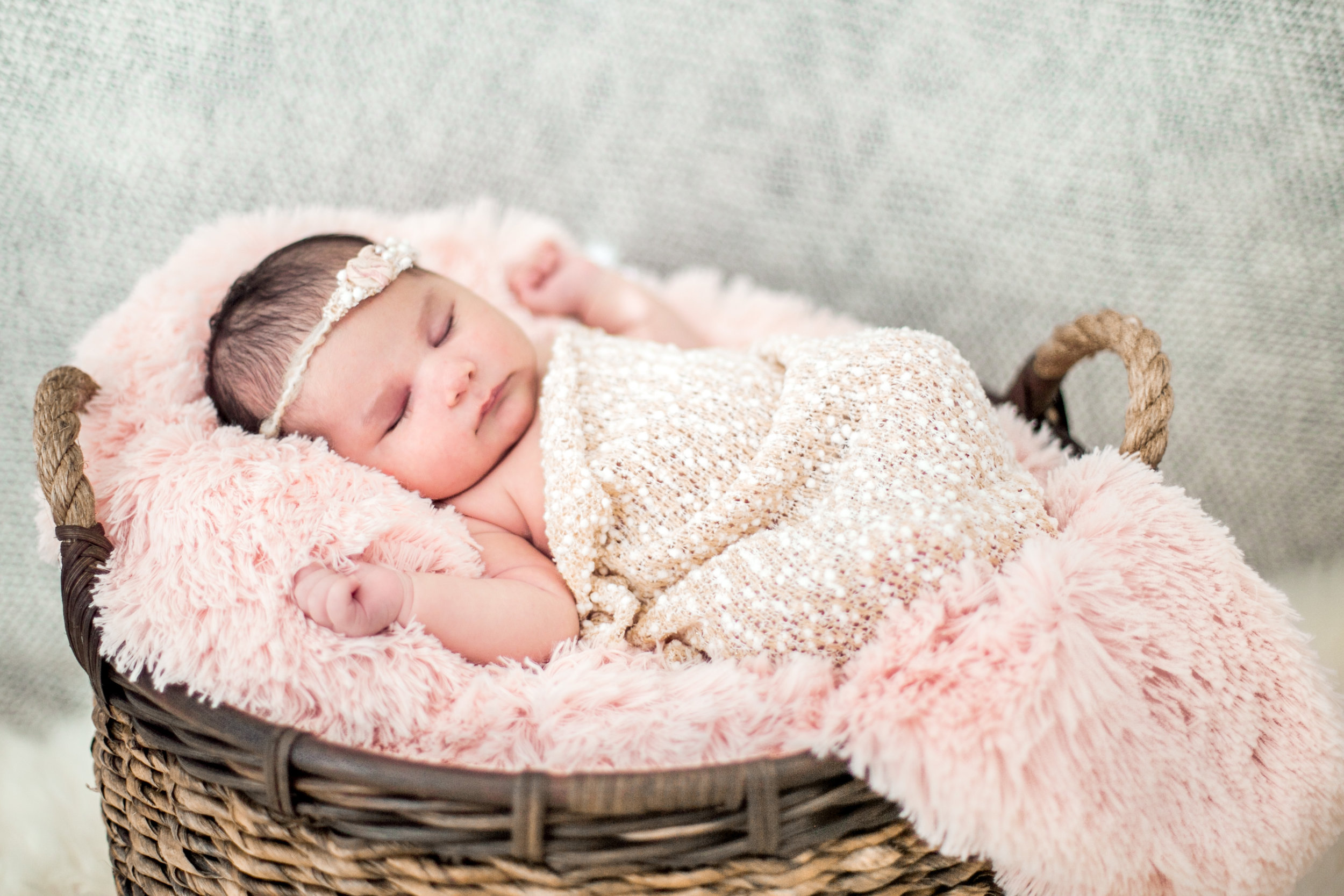 Dougher Newborn Session 2017-17.jpg