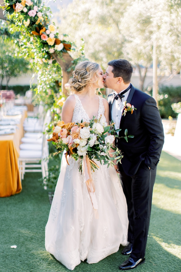 citrus_wedding_inspo_09.jpg