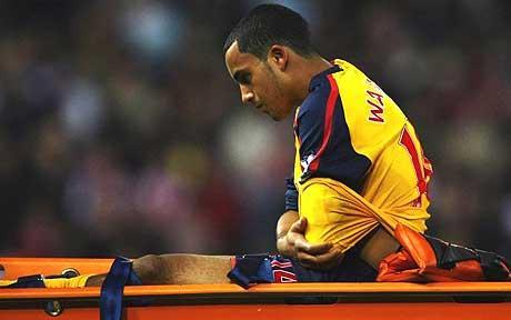 Luxação traumática de ombro, ocorrida durante partida de futebol