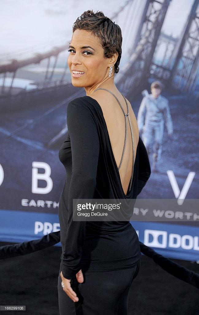 Daphne Wayans, Oblivion Premiere