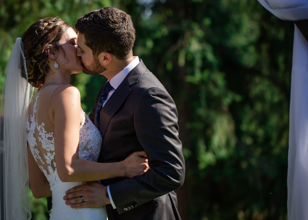 bride-groom-first-kiss