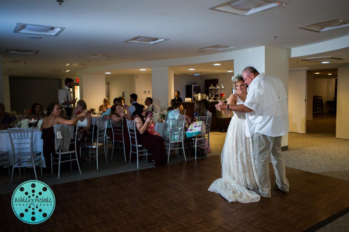 Surfside Resort- Destin Florida- Wedding Photograher ©Ashley Nichole Photography-401.jpg