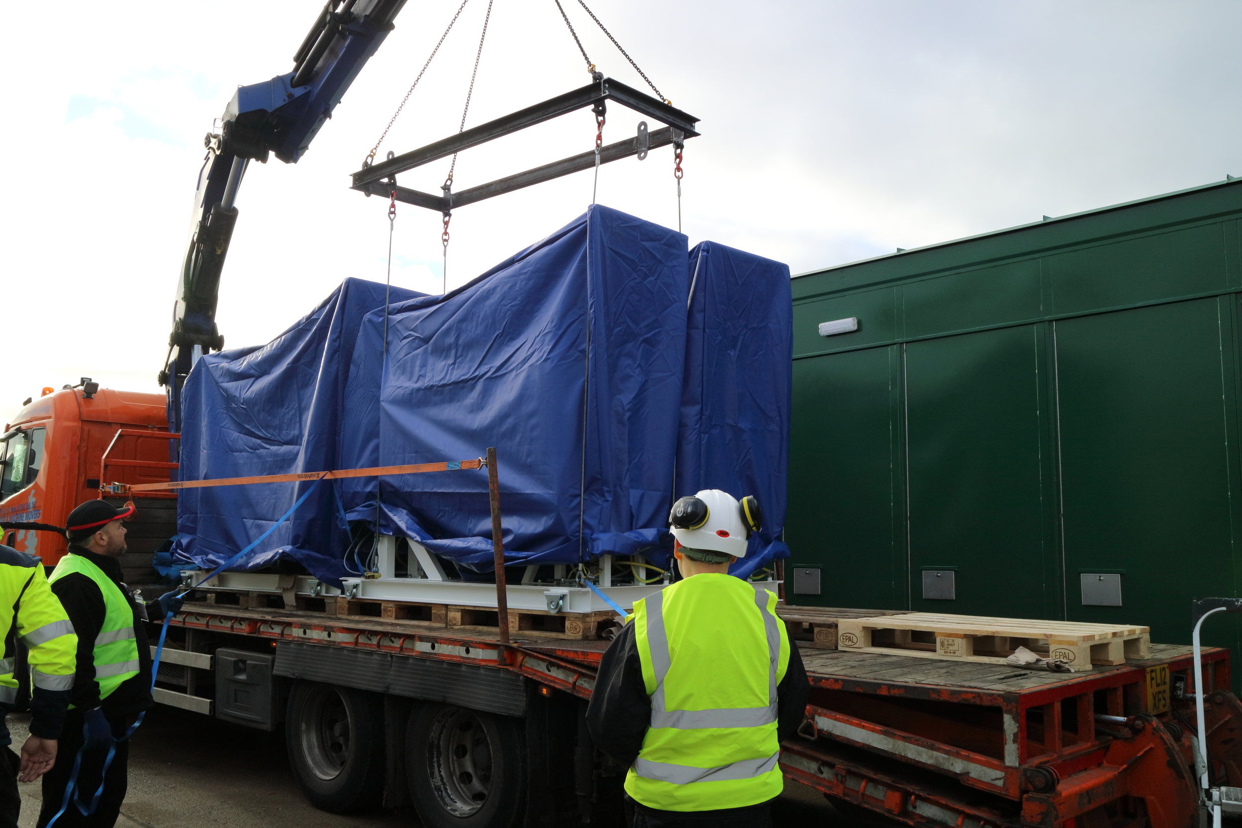 Image 3 - pallet on lorry ready to be lifted in to sub.JPG