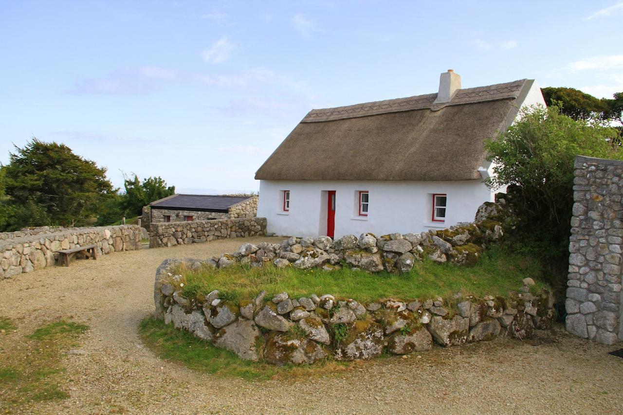 'An Sean Teach' - The Old House at Cnoc Suain[1] (1).jpg
