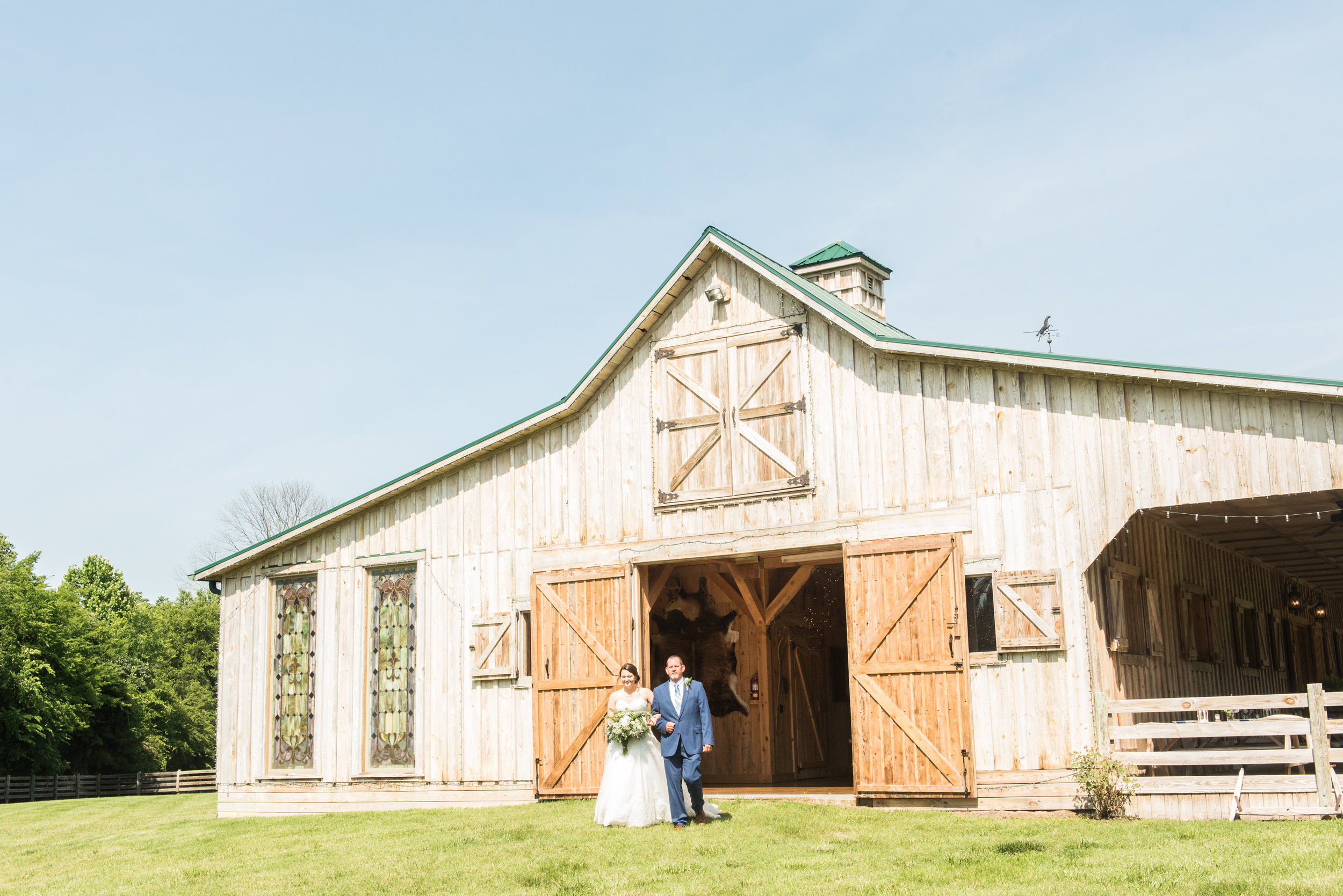 Madalyn Yates Photography Virginia Wedding Photographer Barn Summer Weddings First Look