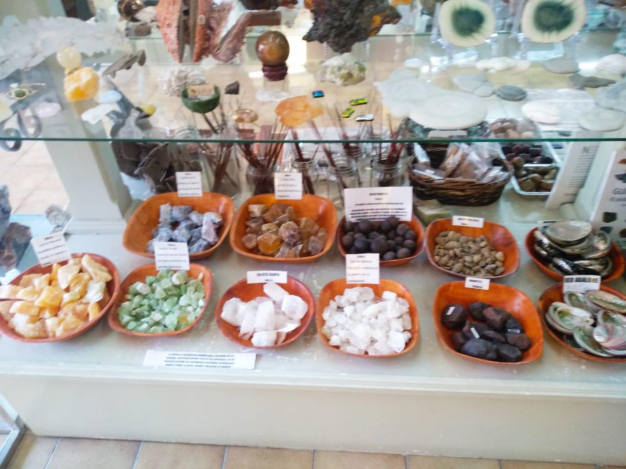 Gems and Fossils on La Primera