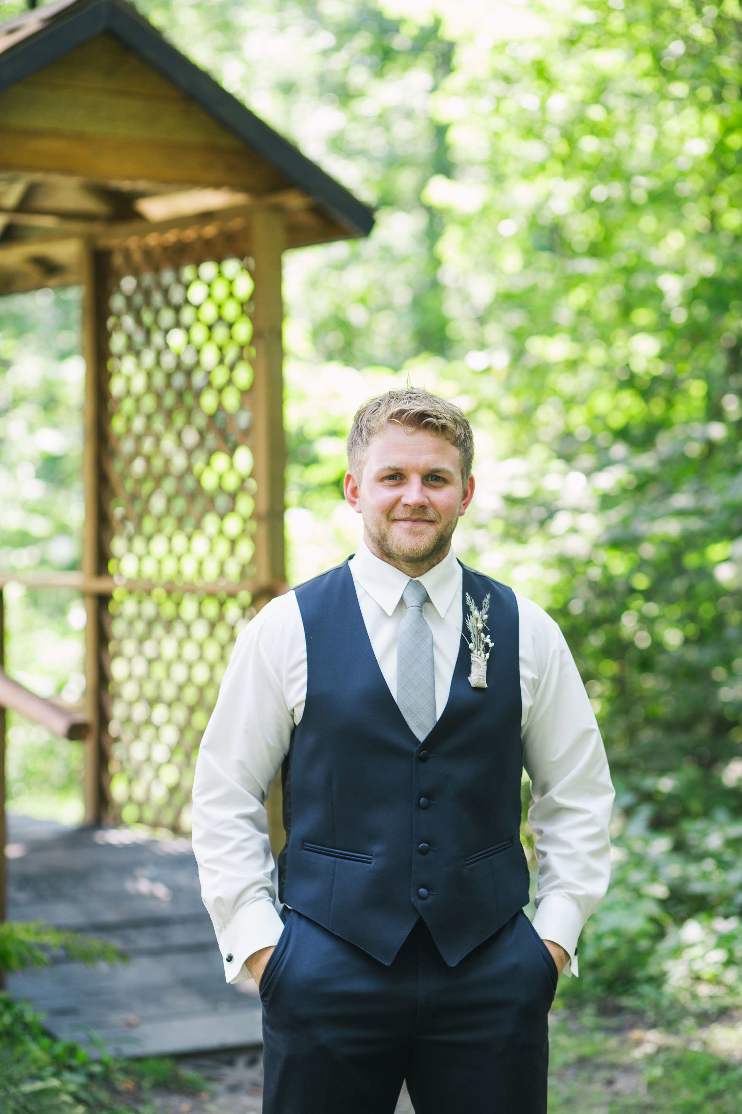 Minnesota Backyard Wedding Minneapolis Jess Dan (24 of 131).jpg