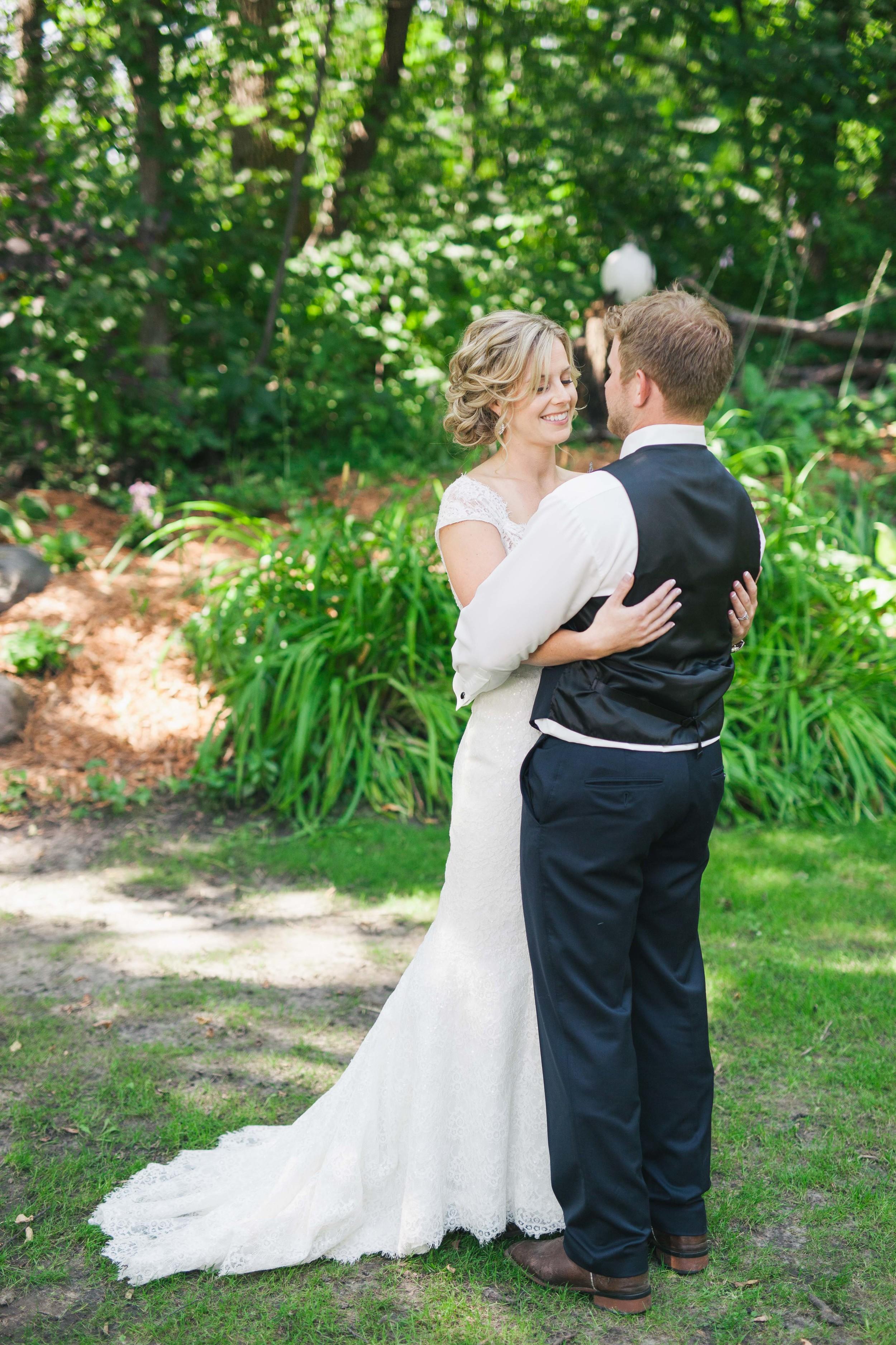 Minnesota Backyard Wedding Minneapolis Jess Dan (31 of 131).jpg