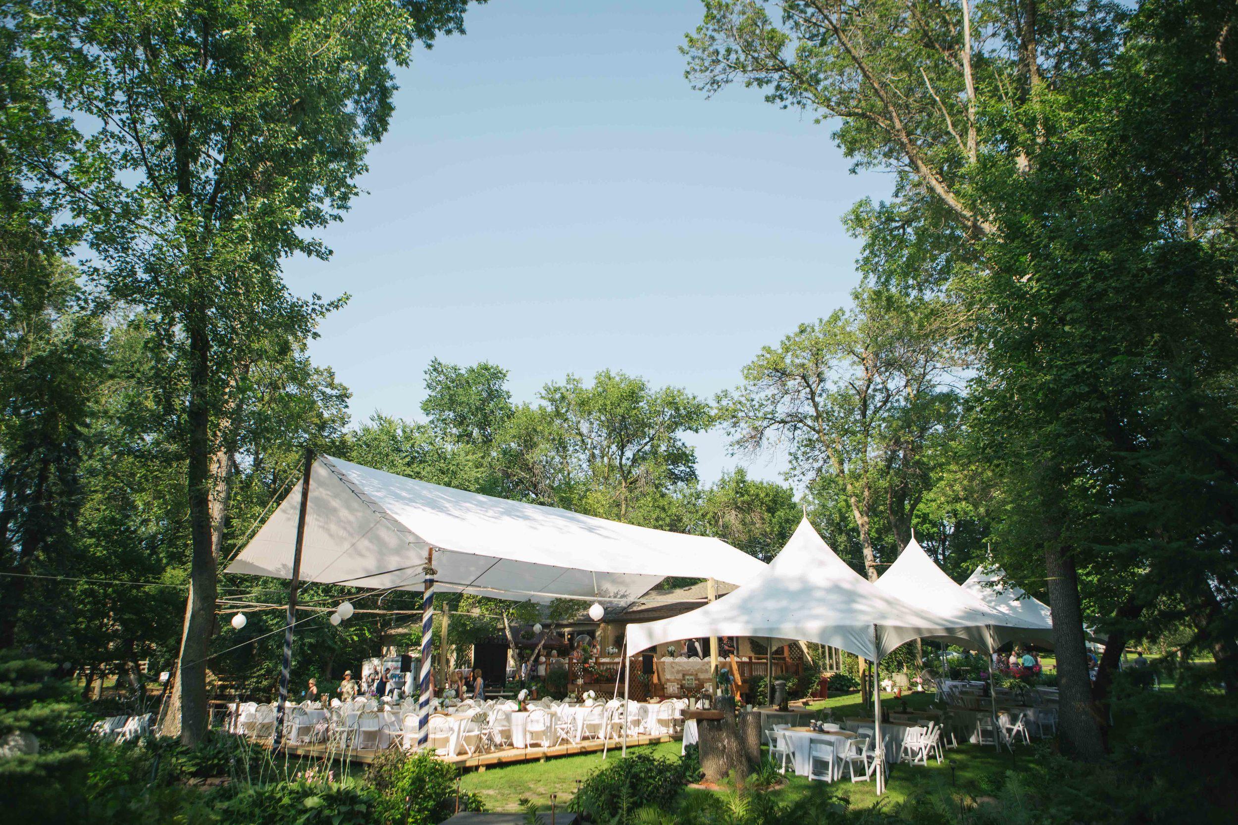 Minnesota Backyard Wedding Minneapolis Jess Dan (55 of 131).jpg