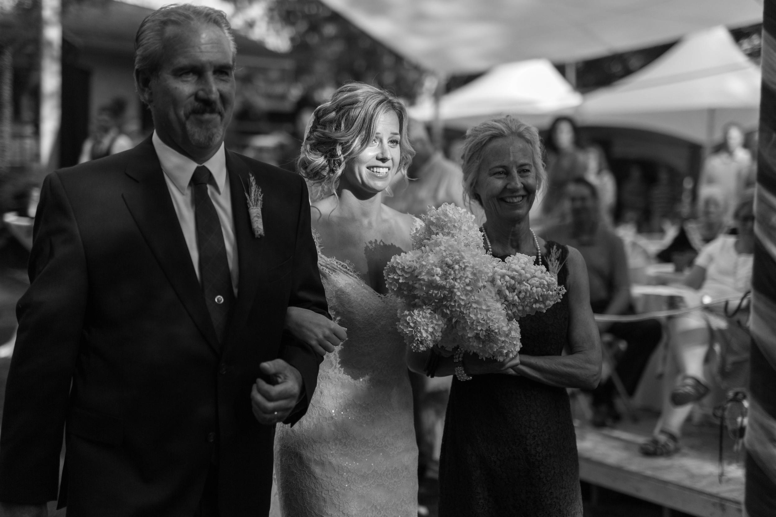 Minnesota Backyard Wedding Minneapolis Jess Dan (68 of 131).jpg