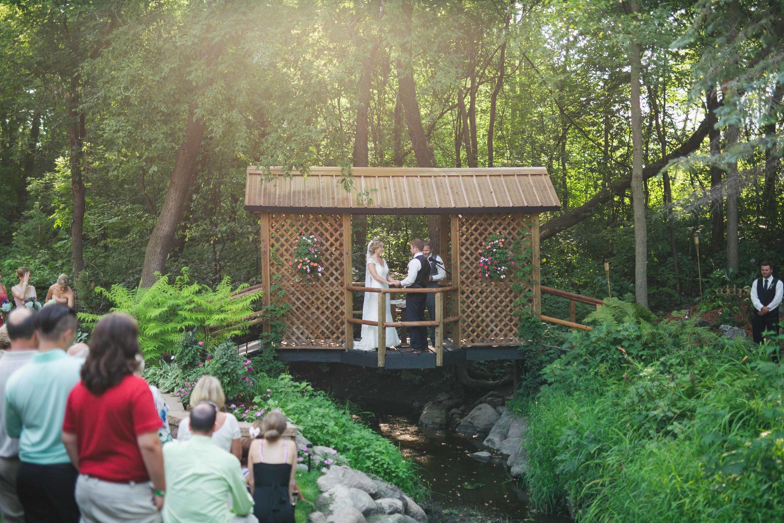Minnesota Backyard Wedding Minneapolis Jess Dan (70 of 131).jpg