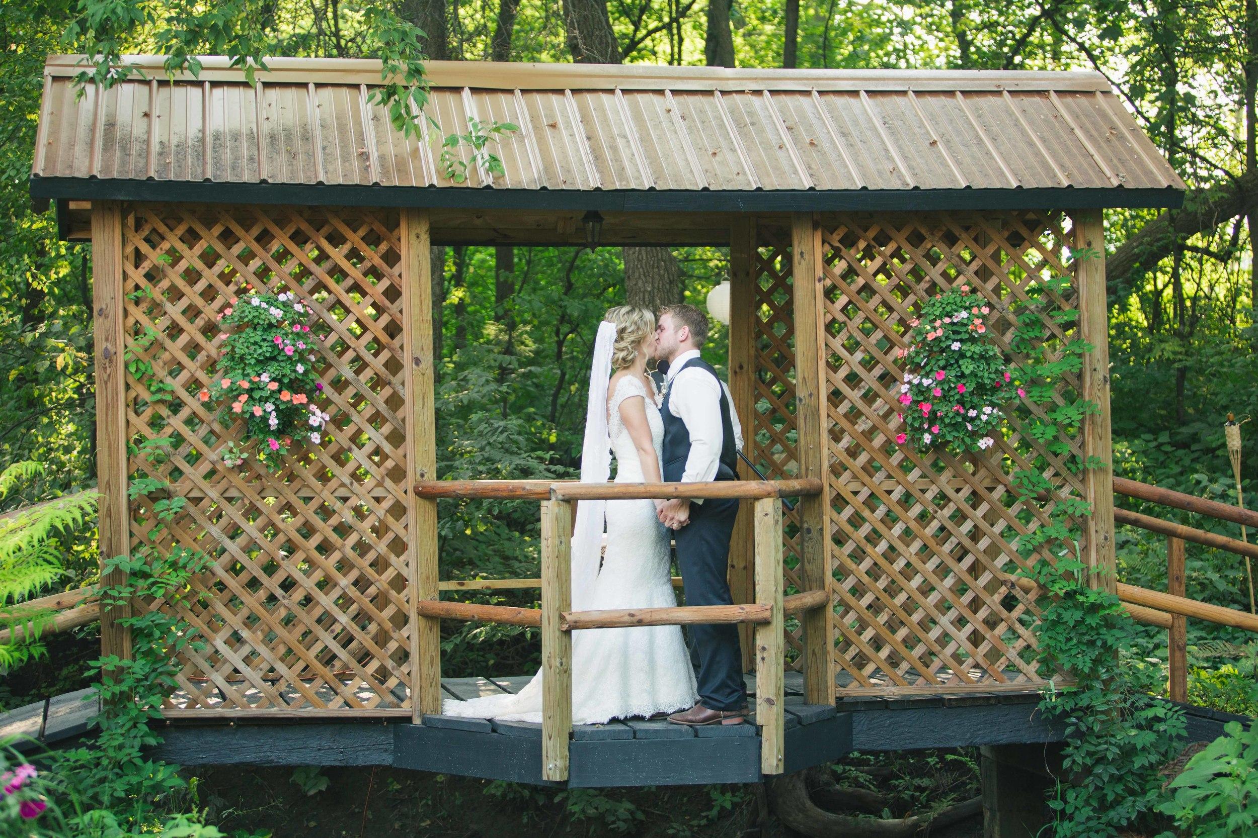 Minnesota Backyard Wedding Minneapolis Jess Dan (90 of 131).jpg