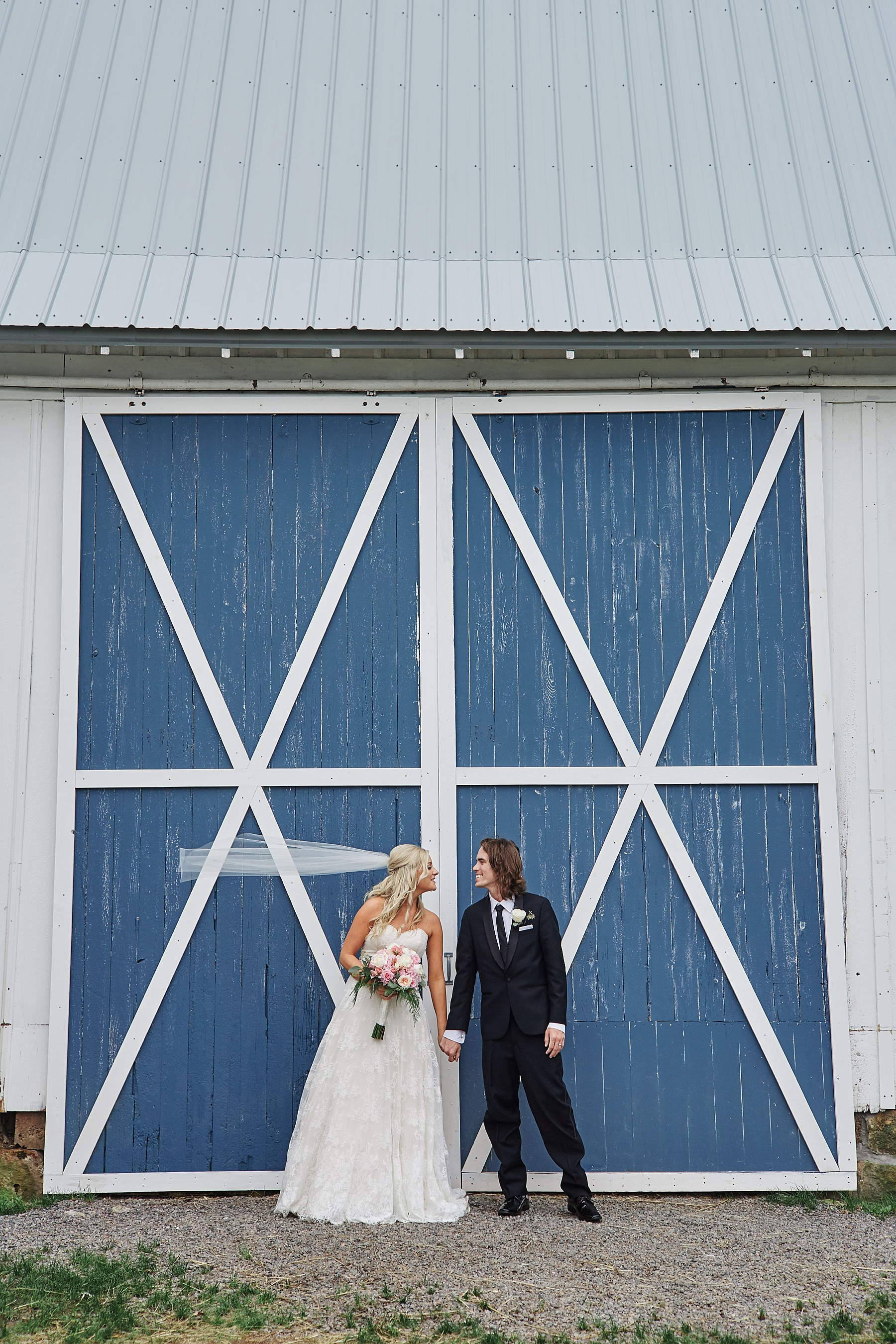 Bloom-Lake-Barn-Wedding-Schafer-Minnesota-Outdoor_0254.jpg