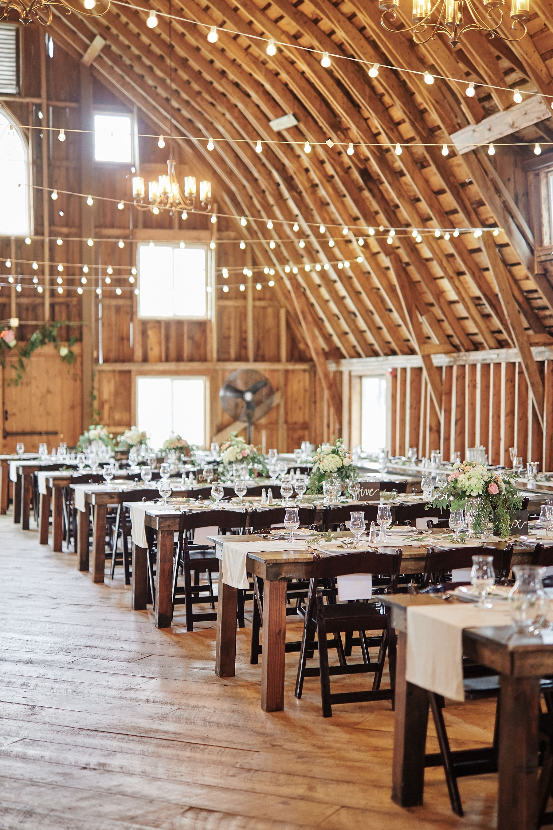 Bloom-Lake-Barn-Wedding-Schafer-Minnesota-Outdoor_0259.jpg