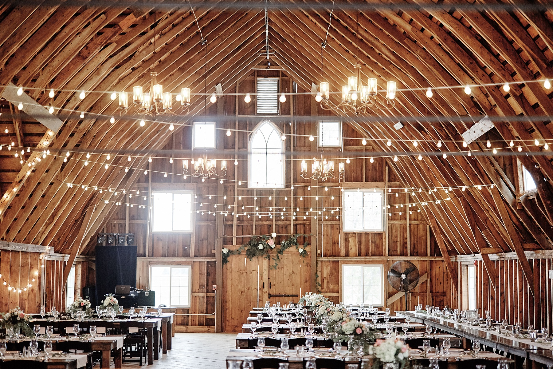 Bloom-Lake-Barn-Wedding-Schafer-Minnesota-Outdoor_0264.jpg
