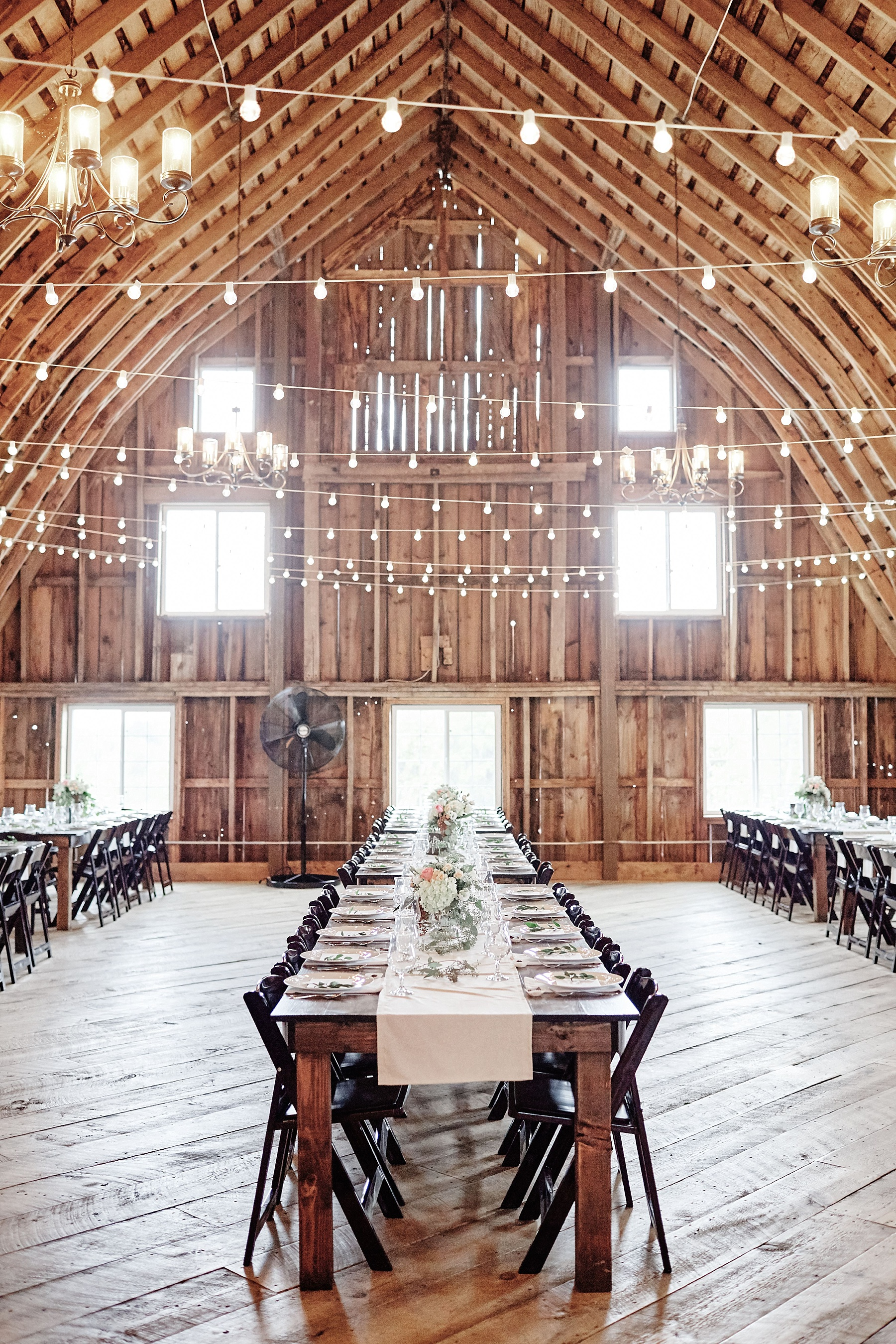 Bloom-Lake-Barn-Wedding-Schafer-Minnesota-Outdoor_0269.jpg