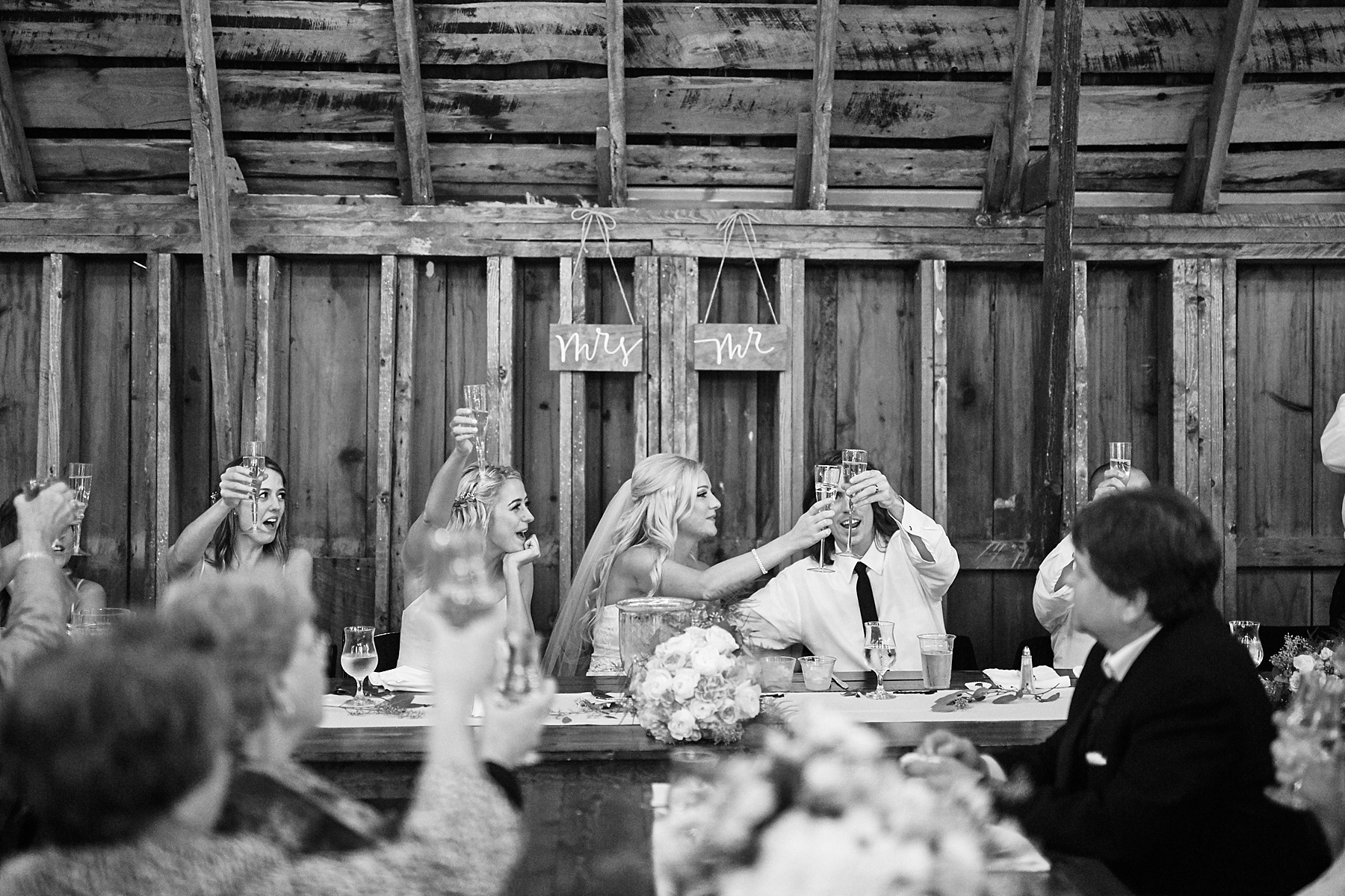 Bloom-Lake-Barn-Wedding-Schafer-Minnesota-Outdoor_0329.jpg