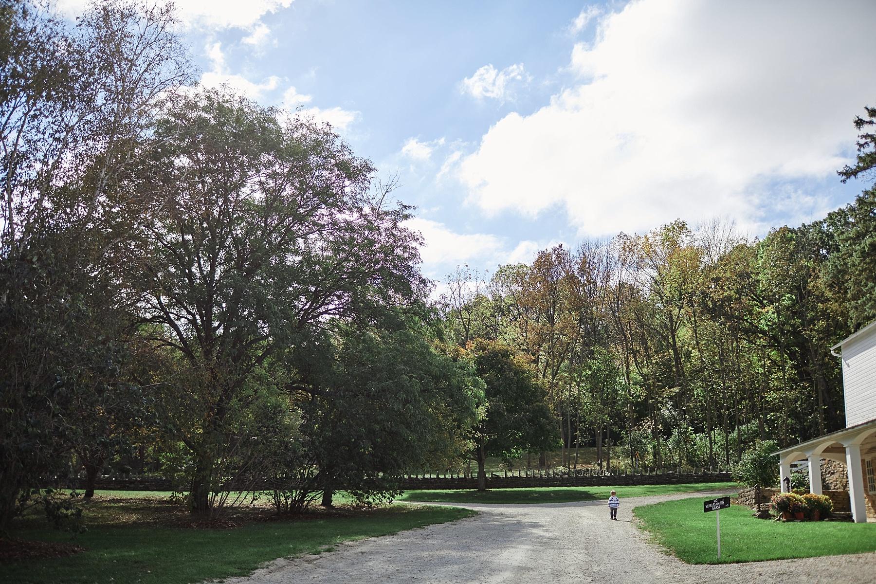 Maywood-Stone-Barn-Wedding-Rochester-Minnesota-Perry-James-Photo_0561.jpg