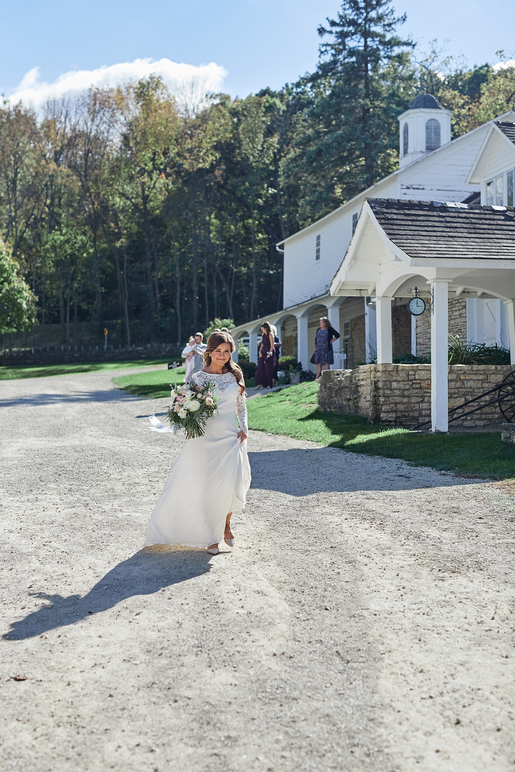 Maywood-Stone-Barn-Wedding-Rochester-Minnesota-Perry-James-Photo_0617.jpg