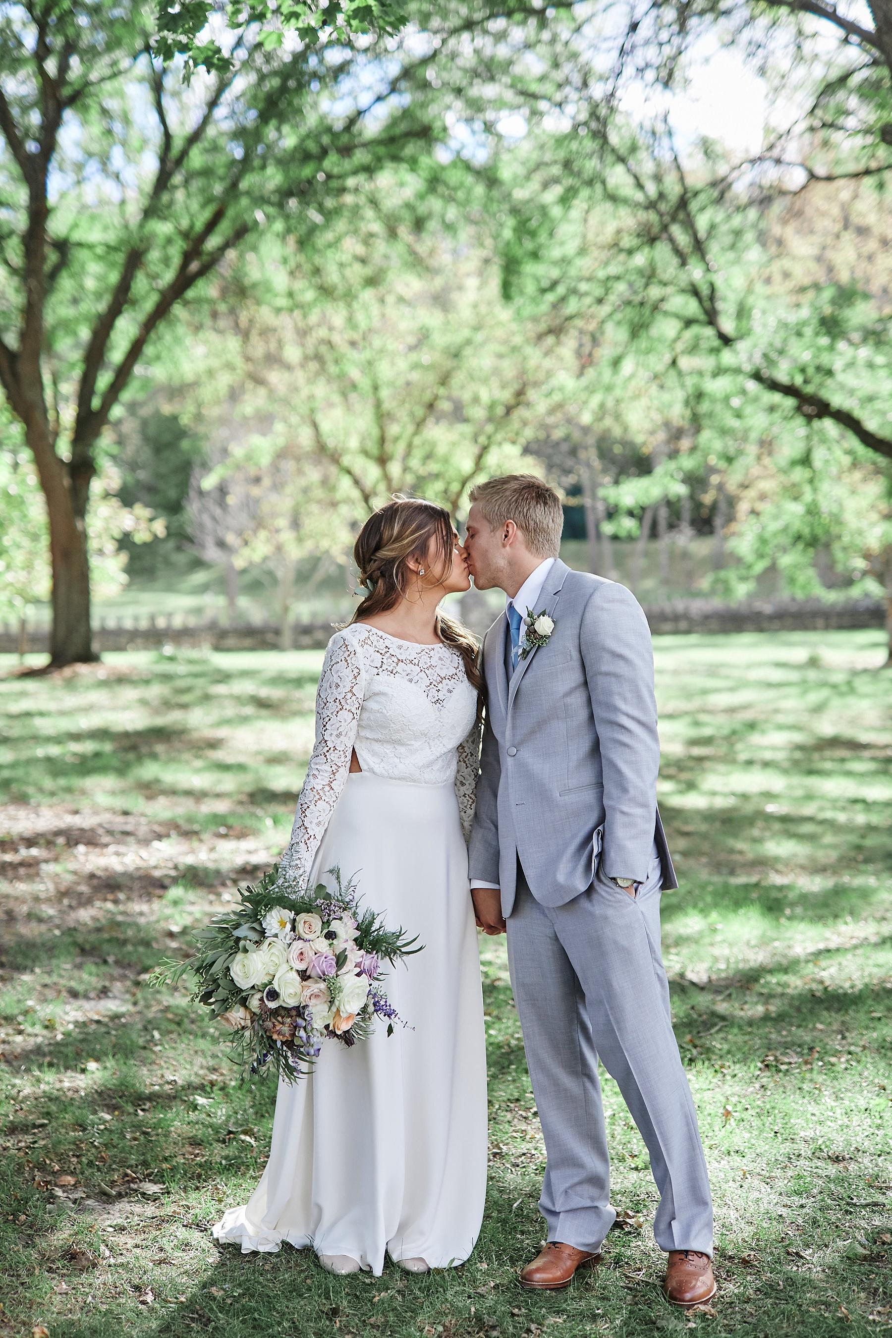 Maywood-Stone-Barn-Wedding-Rochester-Minnesota-Perry-James-Photo_0622.jpg
