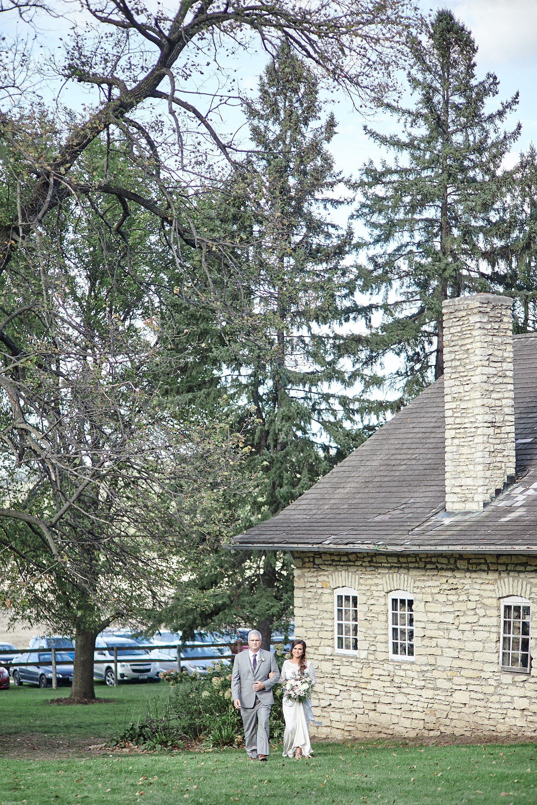 Maywood-Stone-Barn-Wedding-Rochester-Minnesota-Perry-James-Photo_0636.jpg