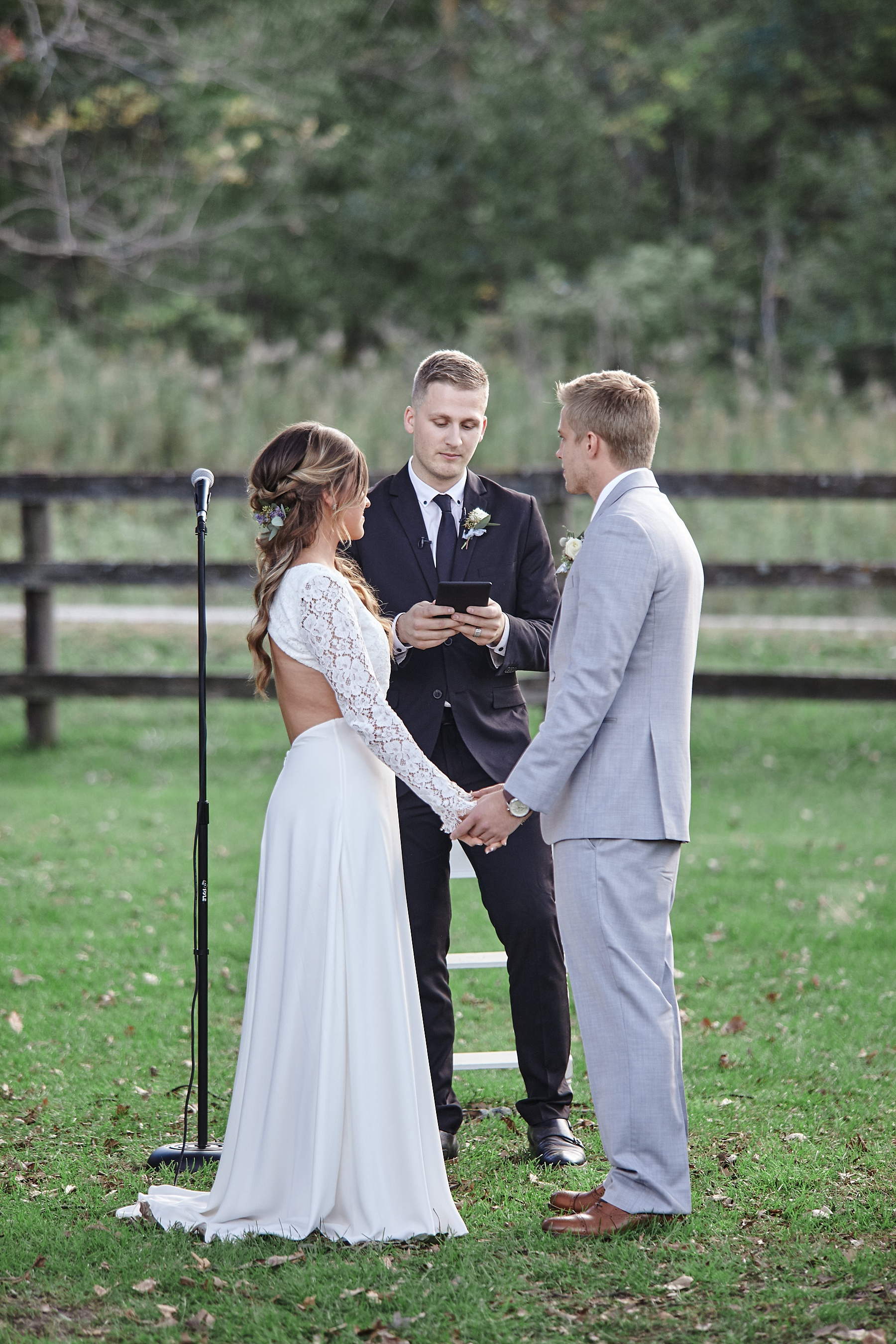 Maywood-Stone-Barn-Wedding-Rochester-Minnesota-Perry-James-Photo_0641.jpg