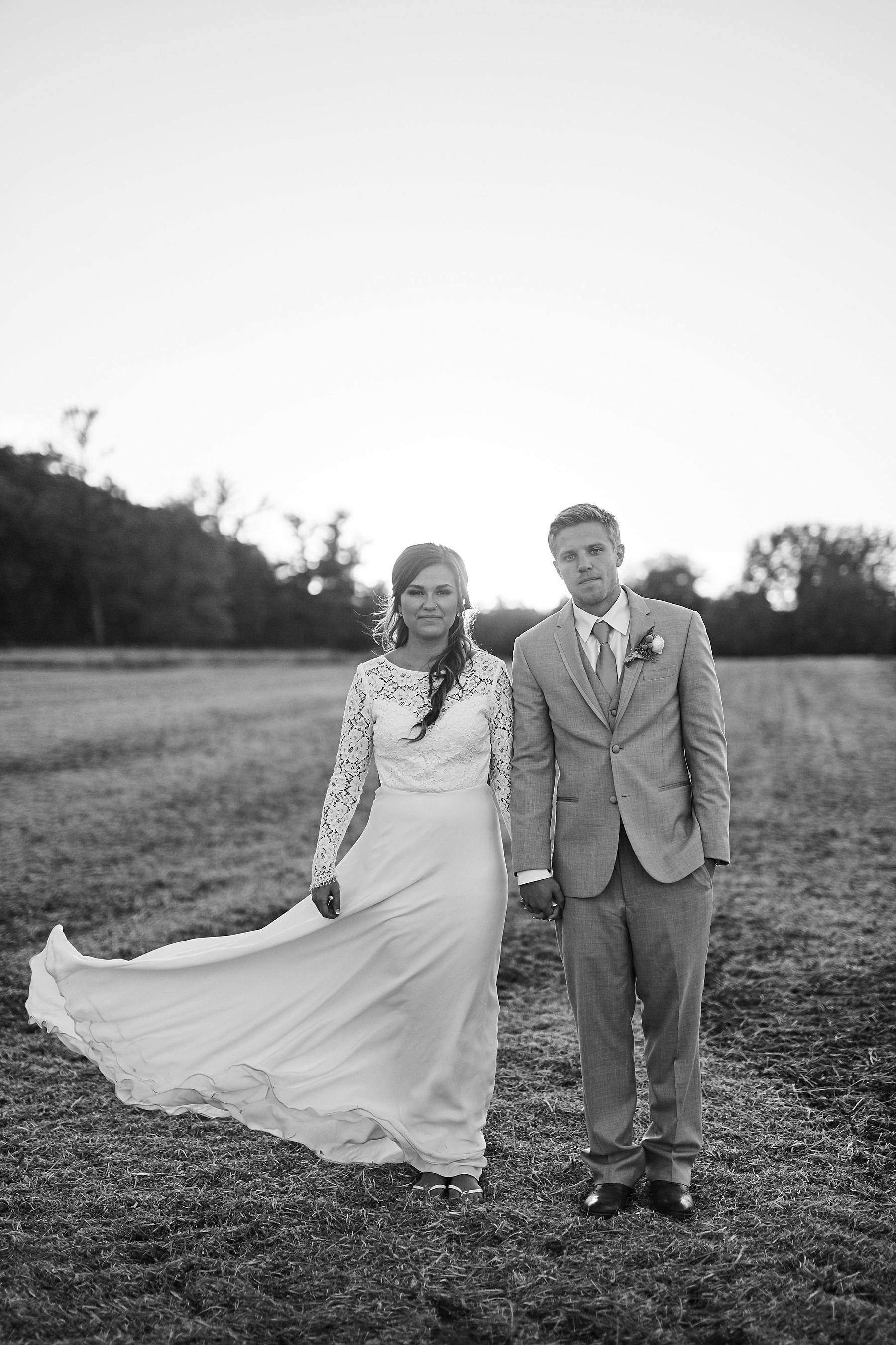 Maywood-Stone-Barn-Wedding-Rochester-Minnesota-Perry-James-Photo_0672.jpg