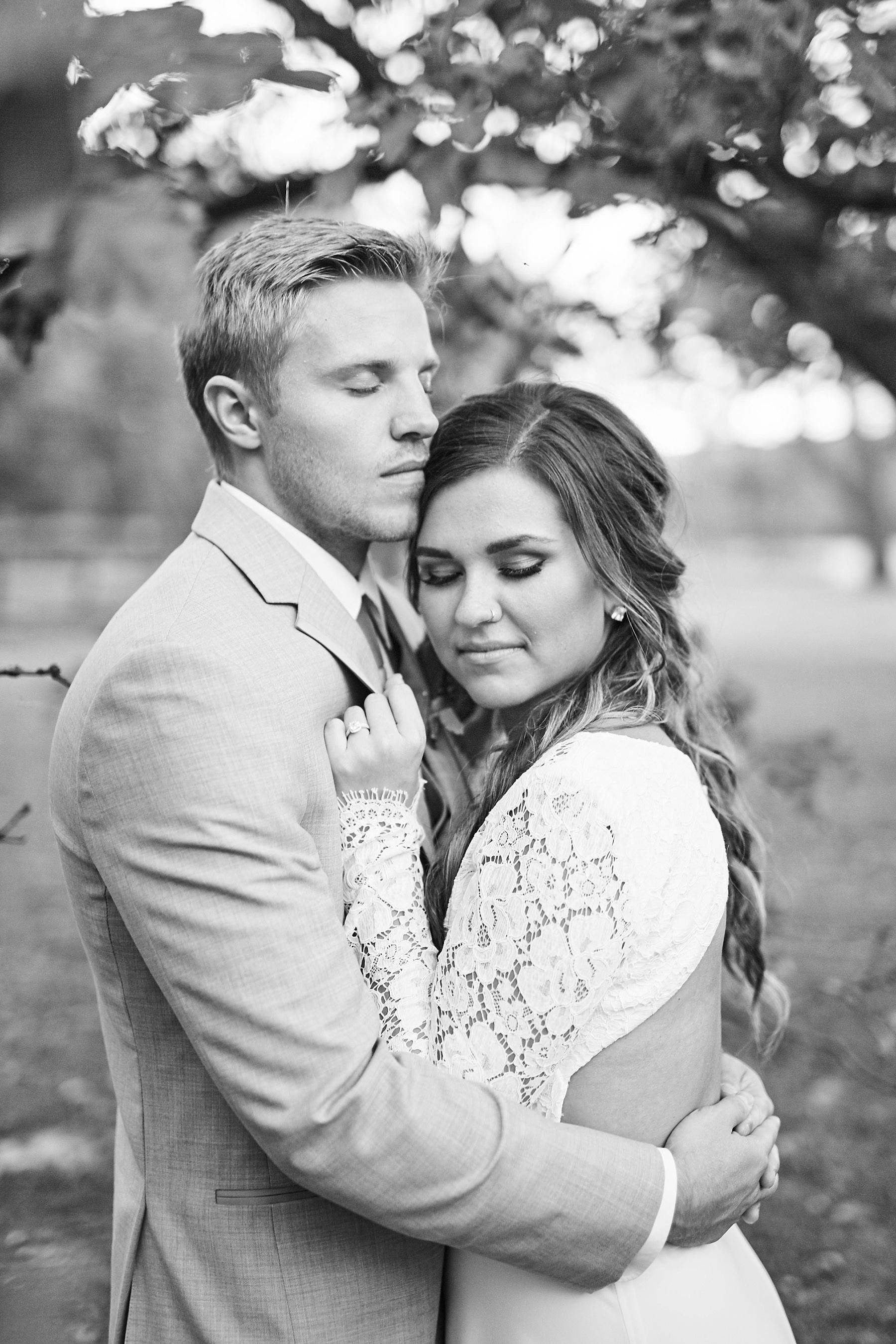 Maywood-Stone-Barn-Wedding-Rochester-Minnesota-Perry-James-Photo_0681.jpg
