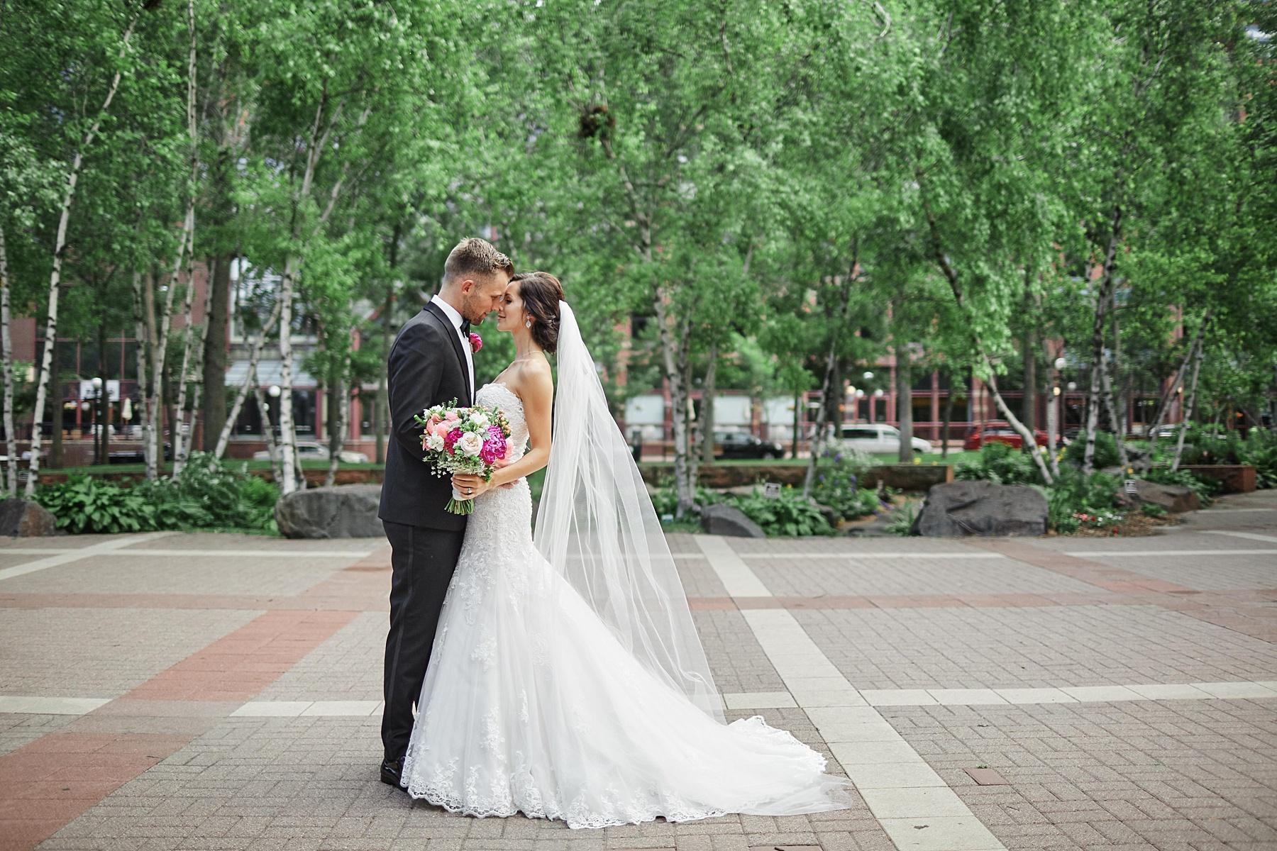 ABULAE-Wedding-Saint-paul-MN-Josh-Sofia-Wedding-Mears-Park_0785.jpg