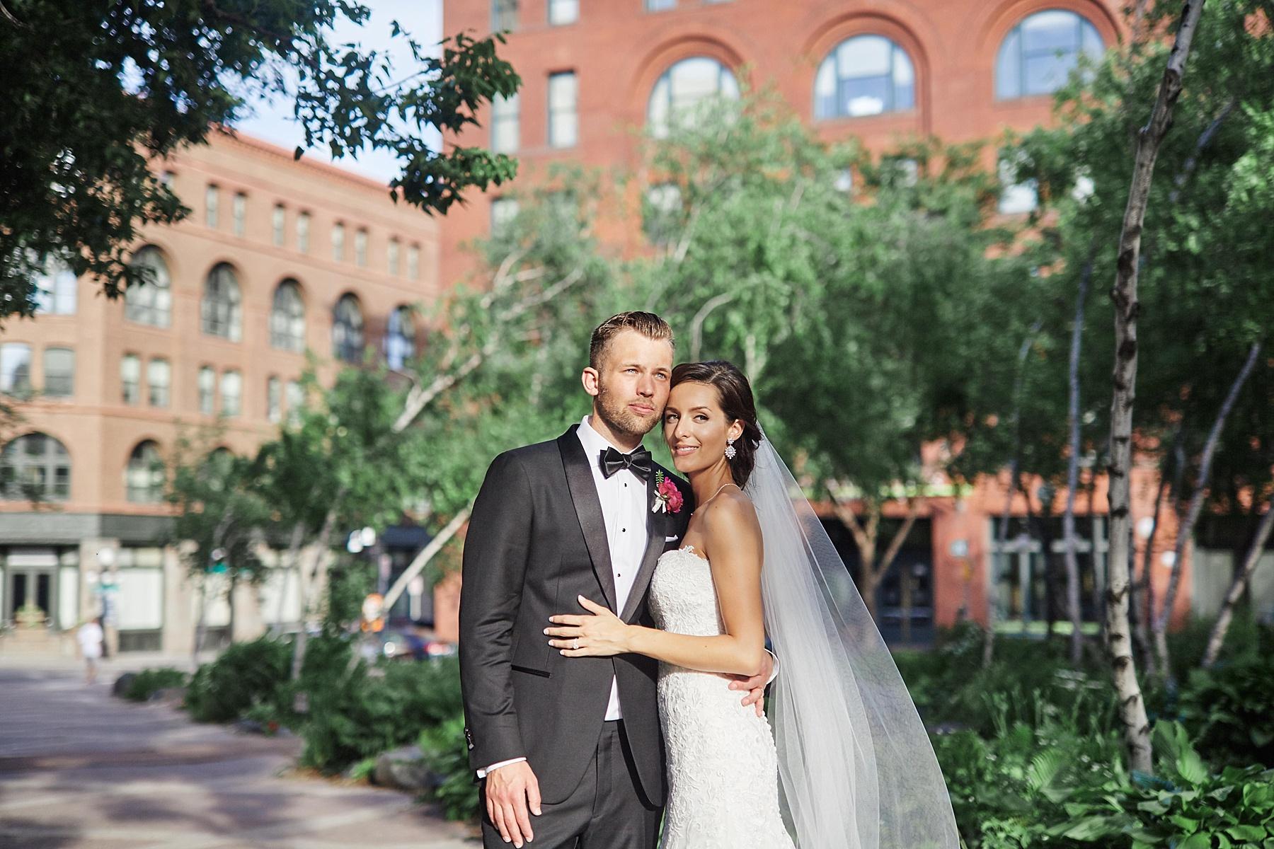 ABULAE-Wedding-Saint-paul-MN-Josh-Sofia-Wedding-Mears-Park_0803.jpg