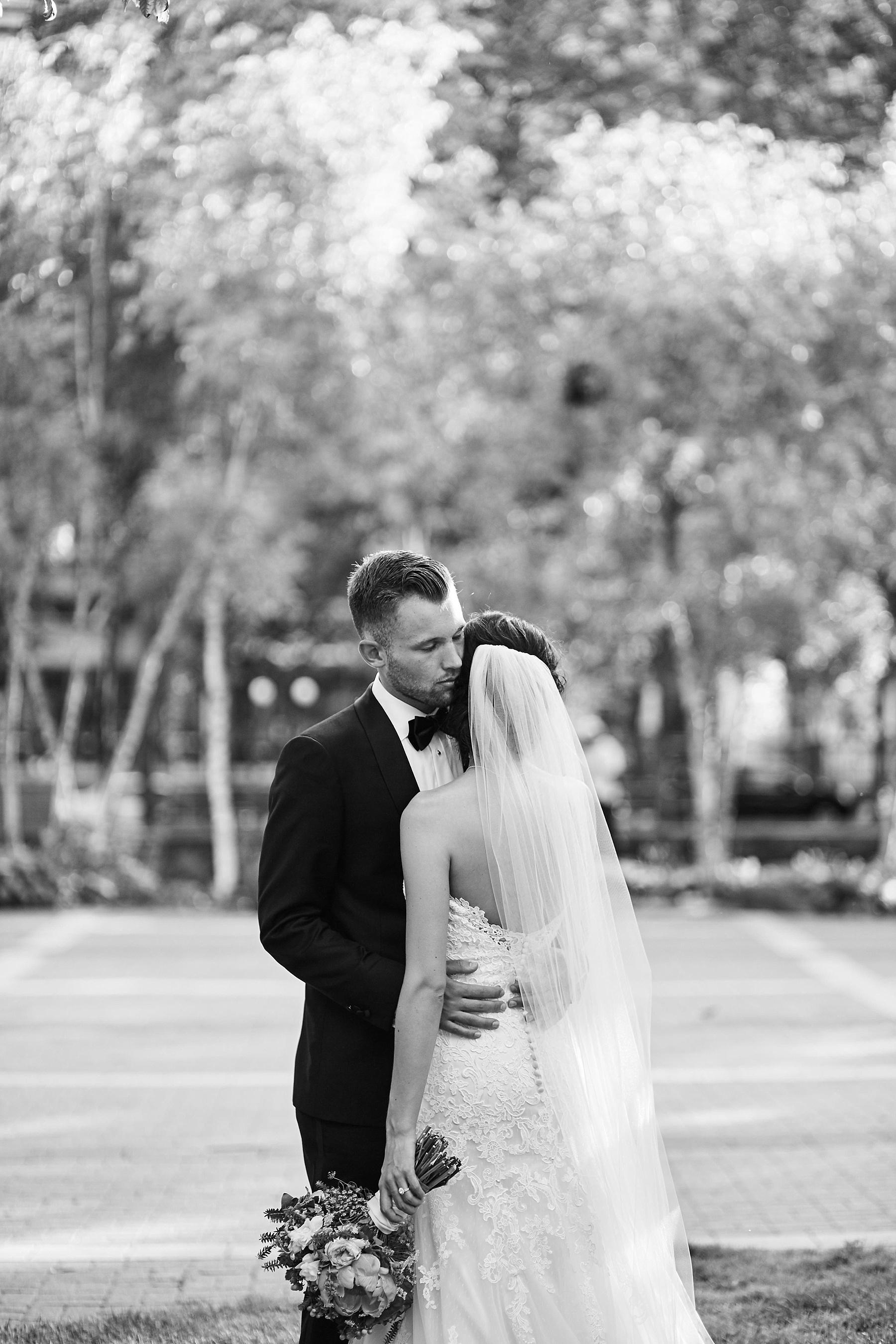 ABULAE-Wedding-Saint-paul-MN-Josh-Sofia-Wedding-Mears-Park_0802.jpg