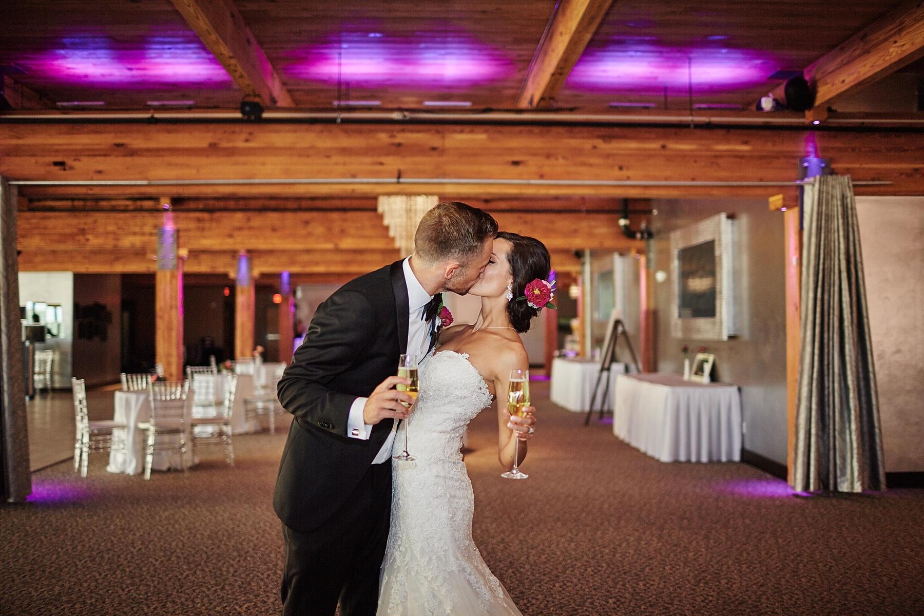ABULAE-Wedding-Saint-paul-MN-Josh-Sofia-Wedding-Mears-Park_0809.jpg