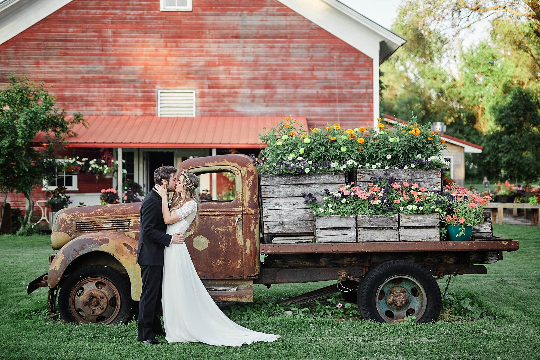 Fairhaven-Farm-South-Haven-Minnesota-Barn-Outdoor-Wedding-Josh-Kailey_1032.jpg