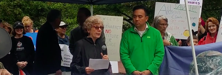 Chesapeake PSR President Gwen DuBois, MD, MPH, speaks at the March for Science - Annapolis, Md.