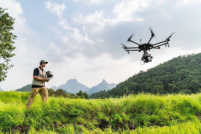 BIG BIRD // 2 weeks ago in India 🇮🇳 Flying a 100 megapixel Hasselblad in some unreal greenery with the talented @uavantage .  Incredible photo courtesy of @abigliardi 📸🔥 @djiglobal @hasselblad @shitijgoel1 @quidichindia