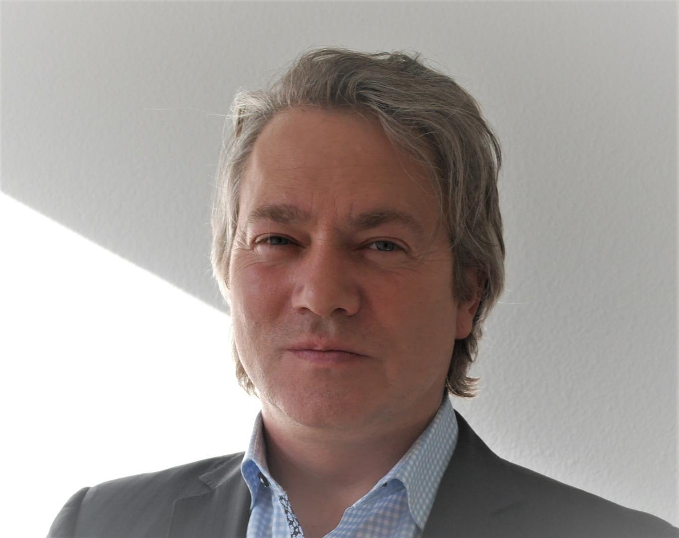 Erik Desbois  Chapter Social Chair, 2019   ERIK'S BIO