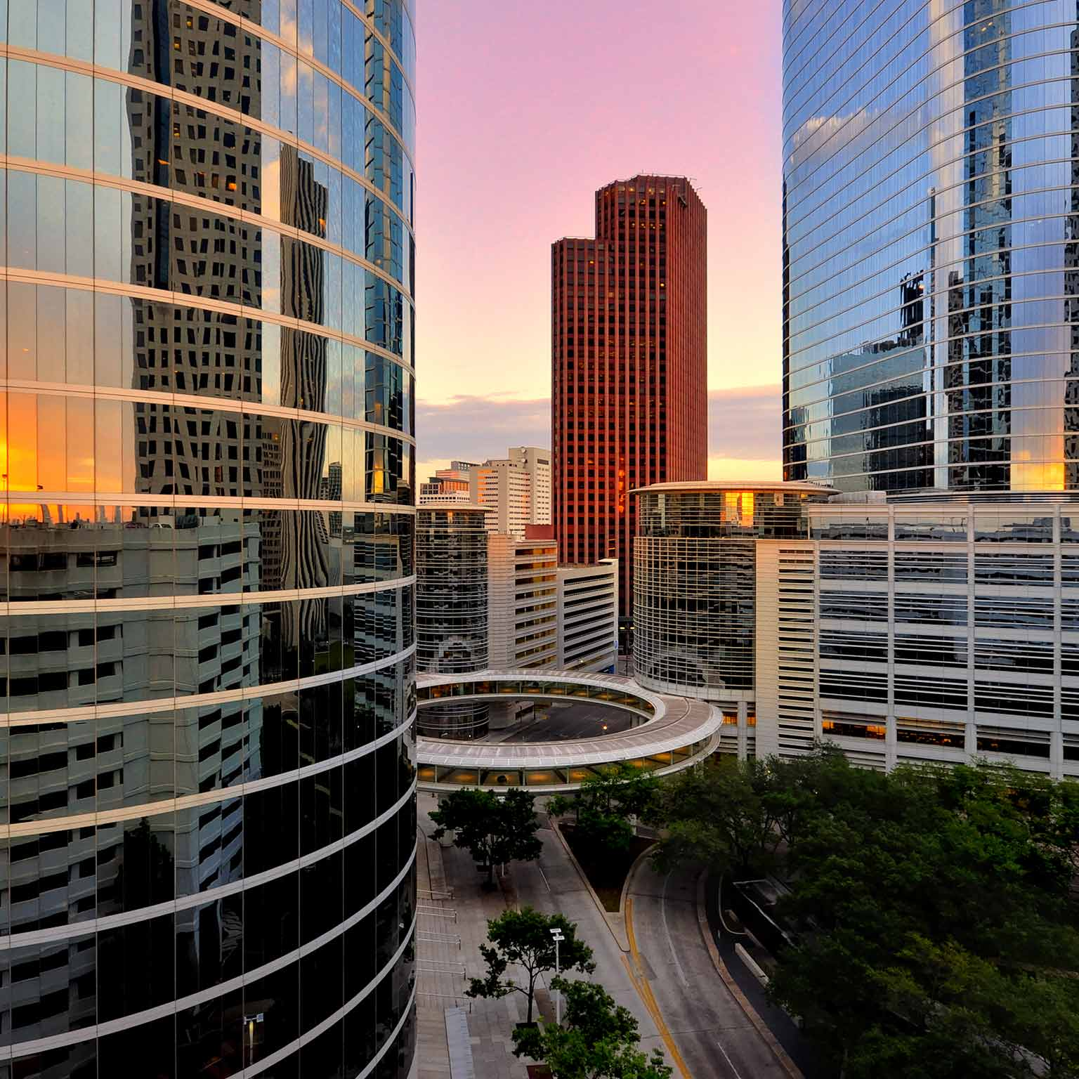 Southern-US_overview_houston_thumb_GettyImages-505290751_1536x1536.jpg