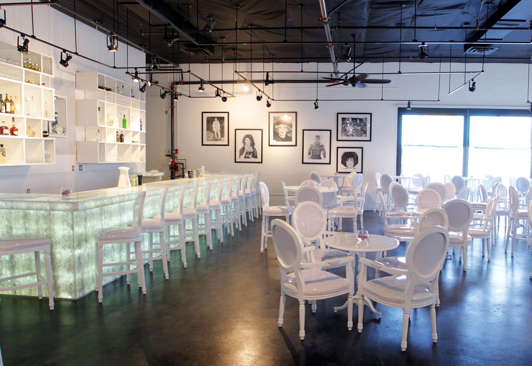 Eight 4 Nine Restaurant & Lounge