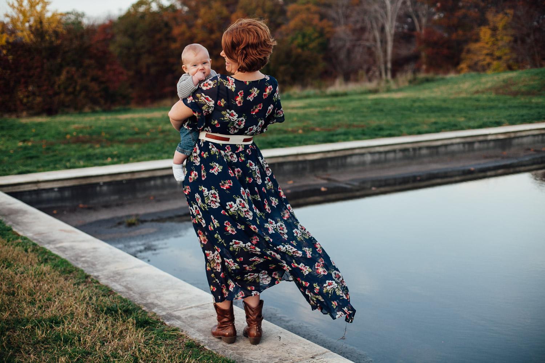 mother and son - national arboretum - juliette fradin photography-6.jpg