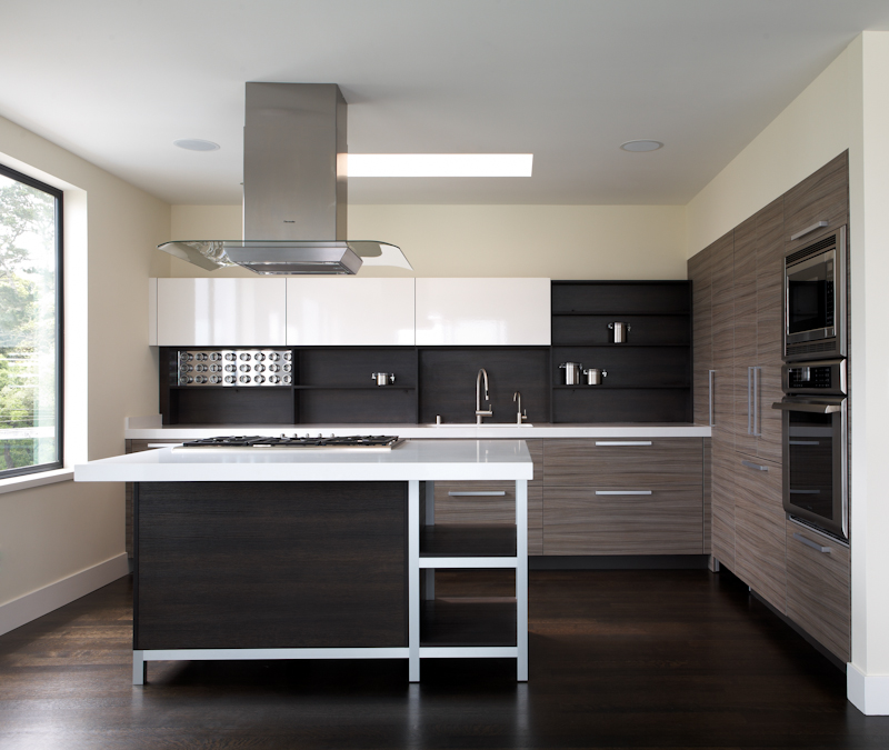 Horizontal instead of vertical upper cabinets provide easier access
