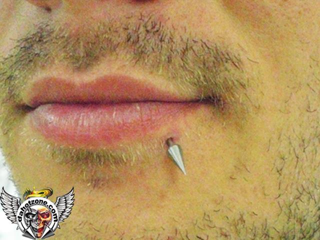 lip spike piercing