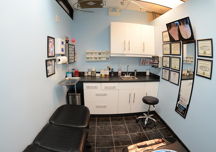 Body Piercing Room