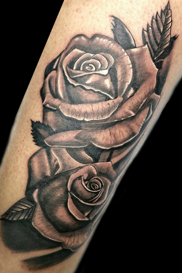 Roses Black and Grey